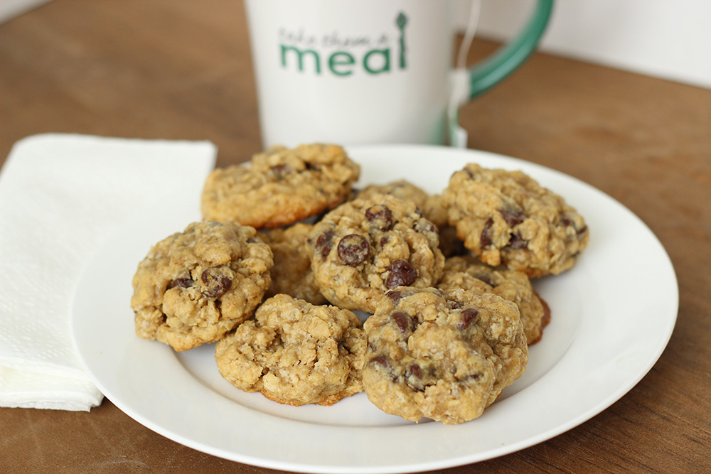 Chewy Oatmeal Chocolate Chip Cookies