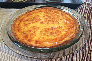 Comfy in the Kitchen Easy Ham and Cheese Quiche