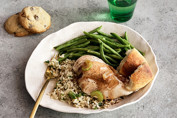 Chicken and Gravy with Seasoned Rice and Green Beans
