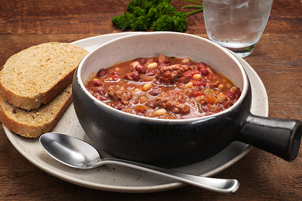 Red, White & Moo Chili Meal with 9-Grain Bread (3Q)
