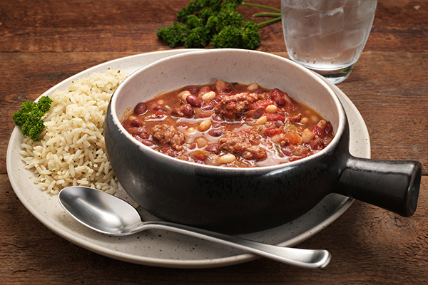 Red, White & Moo Chili Meal with Seasoned Rice